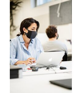 Active Mask Dark Grey Large